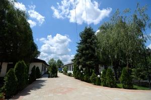Dvorište OJ Stari dom